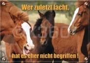 Postkarte Wer zuletzt lacht,...