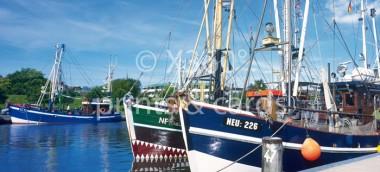 XL-Postkarte Krabbenkutter (Hafen)